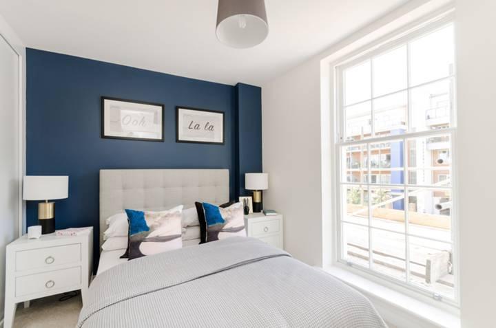 Bedroom in KT12