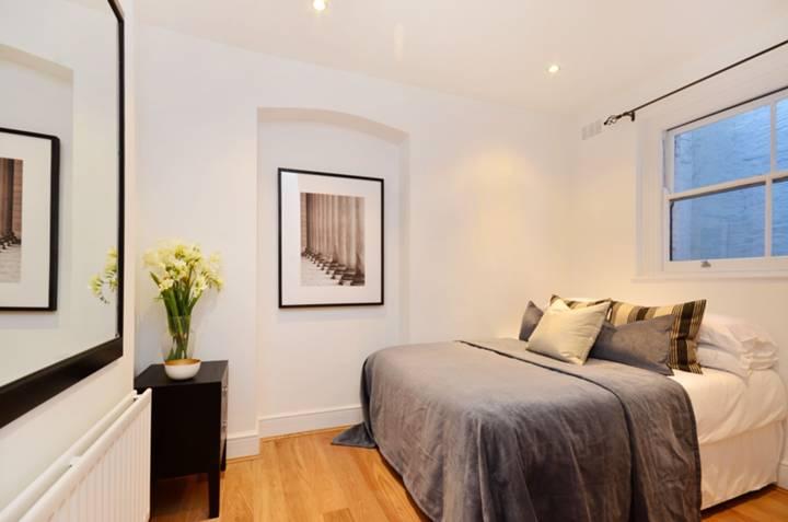 <b>Second Bedroom</b><span class='dims'> 10'7 x 10'4 (3.23 x 3.15m)</span>