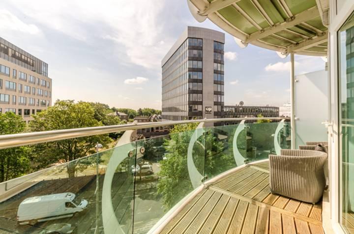 Balcony in W5