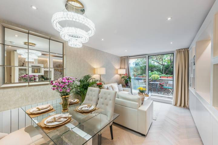Reception Room/Dining Room in SW1P