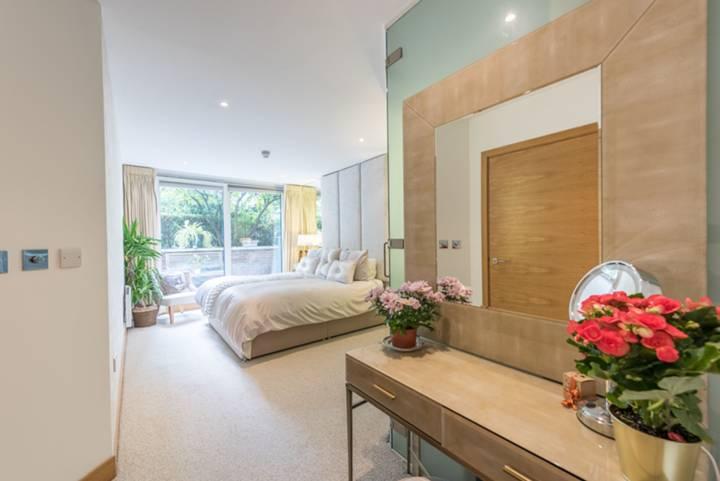 Master Bedroom in SW1P