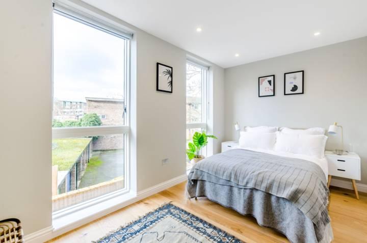 Second Bedroom in SW4