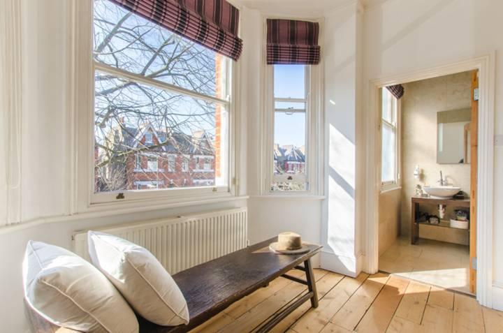 Master Bedroom in SE24