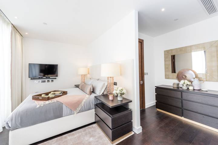 Master Bedroom in SW8