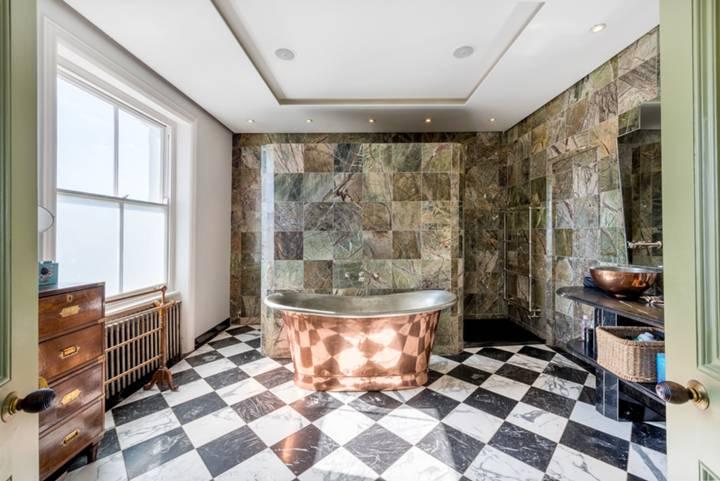 En Suite Bathroom in NW3
