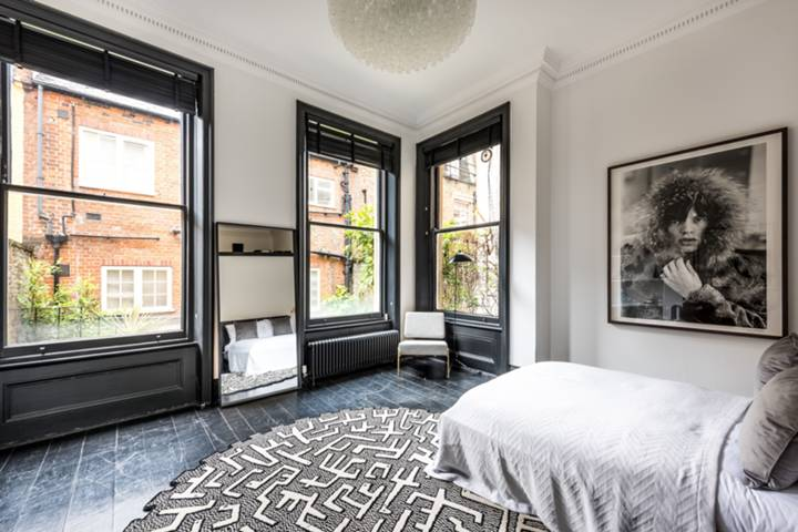 Bedroom in SW1X