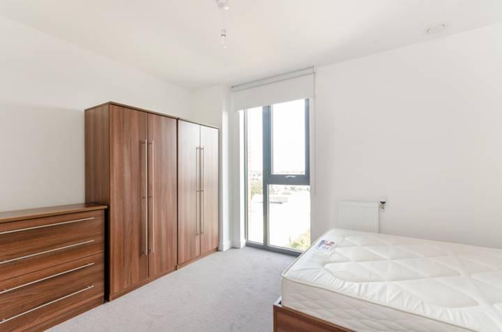 <b>Second Bedroom</b><span class='dims'></span>