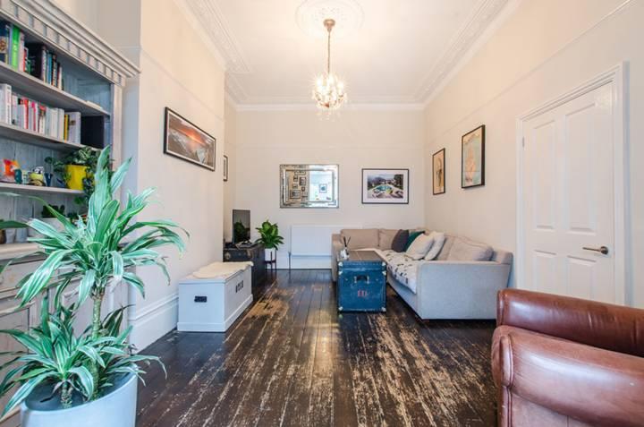 Reception Room in BR1