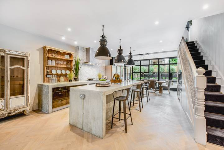 Kitchen/Dining Room in W11