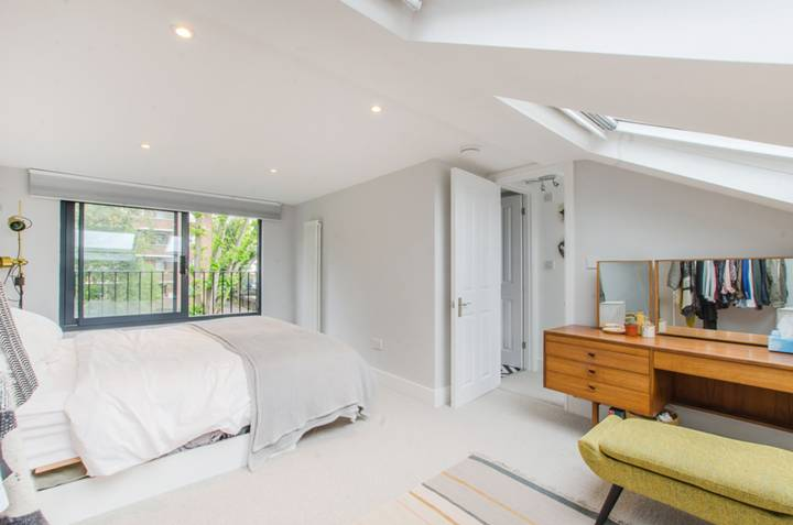Master Bedroom in SE23