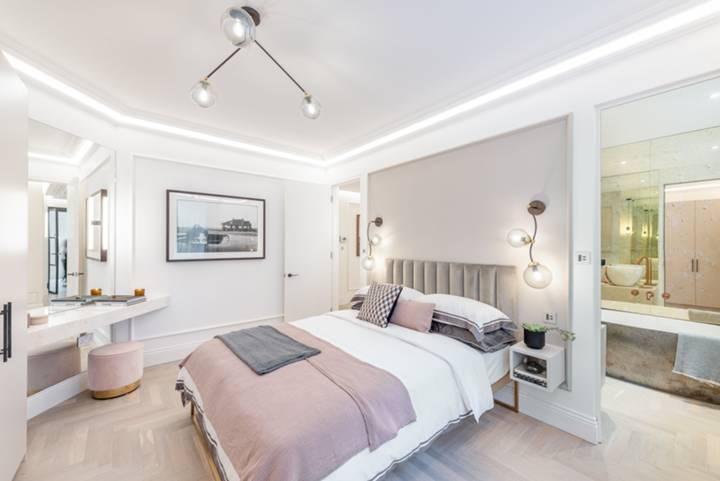 Master Bedroom in W1U