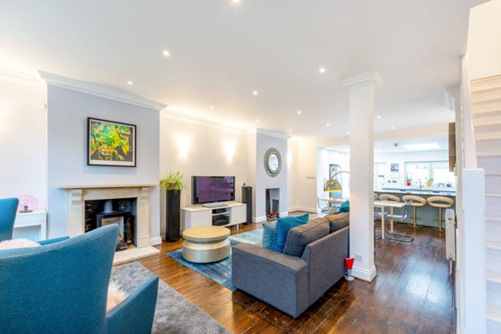Reception Room in W3