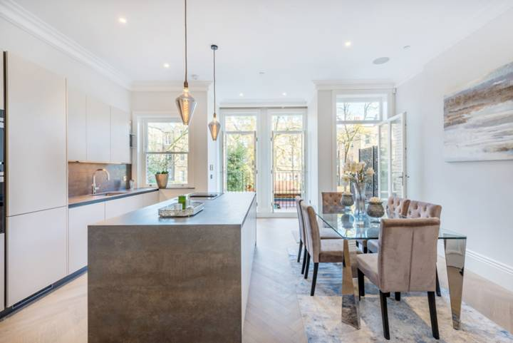 Kitchen/Dining Room in NW3
