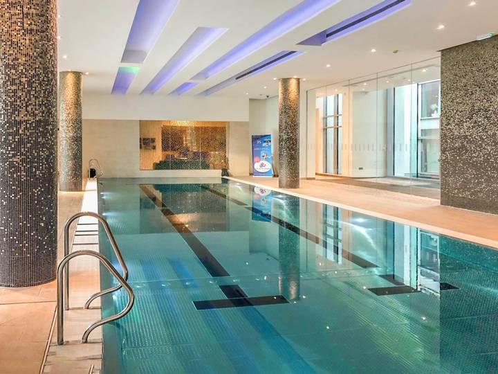 <b>Pool House</b><span class='dims'></span>