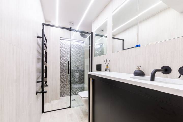 Shower Room in SW19