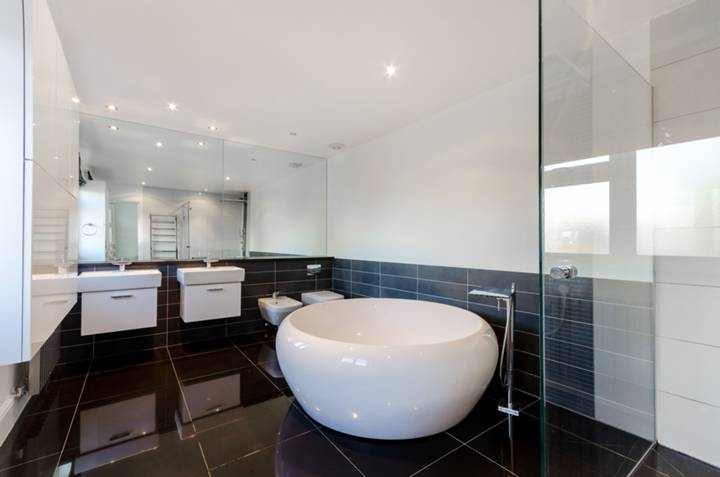 En Suite Bathroom in KT5