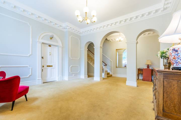 Entrance Hall in SW20