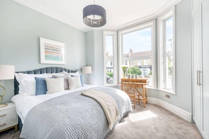 Master Bedroom in W12
