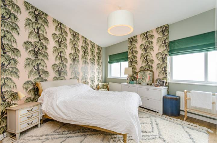 Master Bedroom in NW2