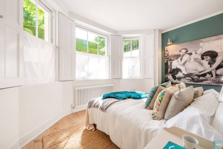 Bedroom in W11
