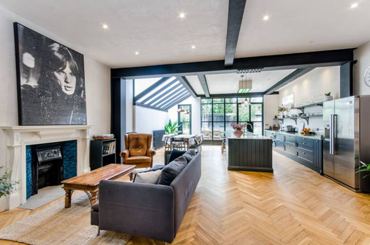 Kitchen/Family Room in NW6