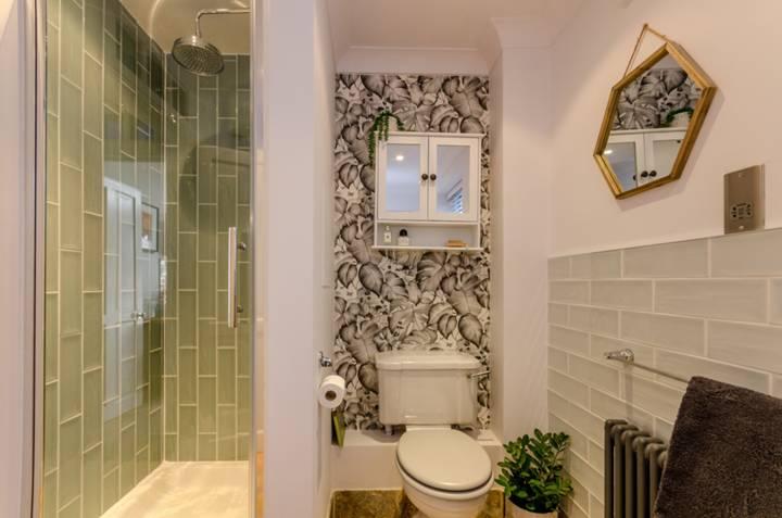 Bathroom in GU22