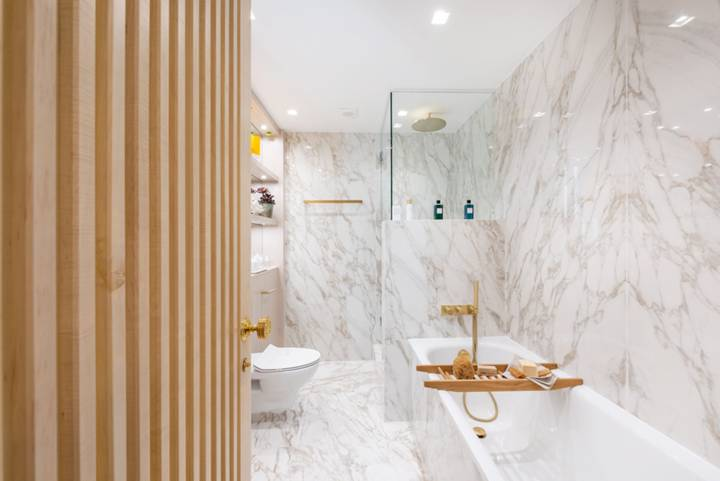 En Suite Bathroom in W1U