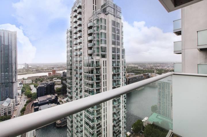 <b>Third Balcony</b><span class='dims'></span>