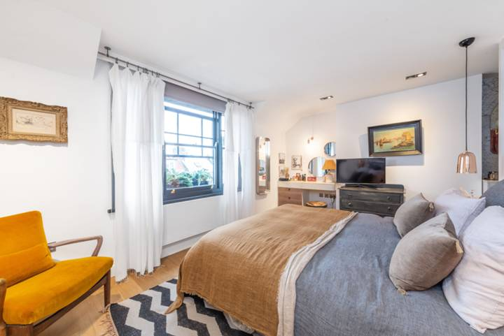 Bedroom in NW6