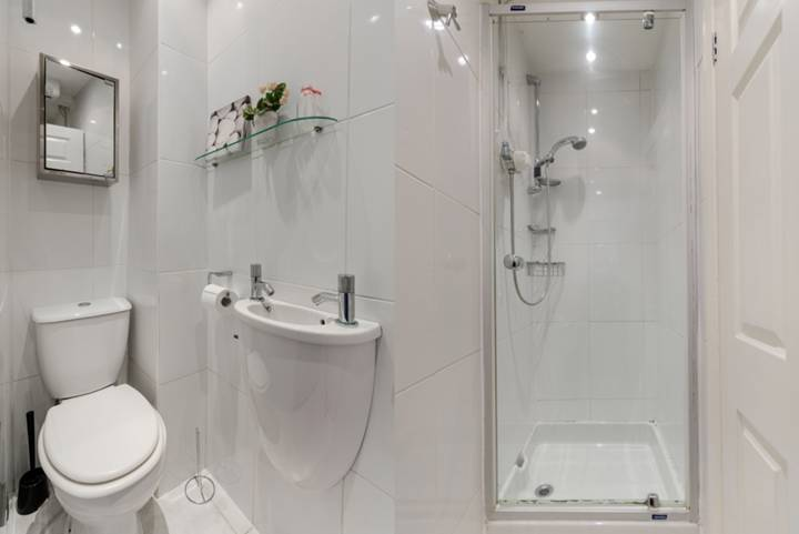 <b>Second Shower Room</b><span class='dims'></span>