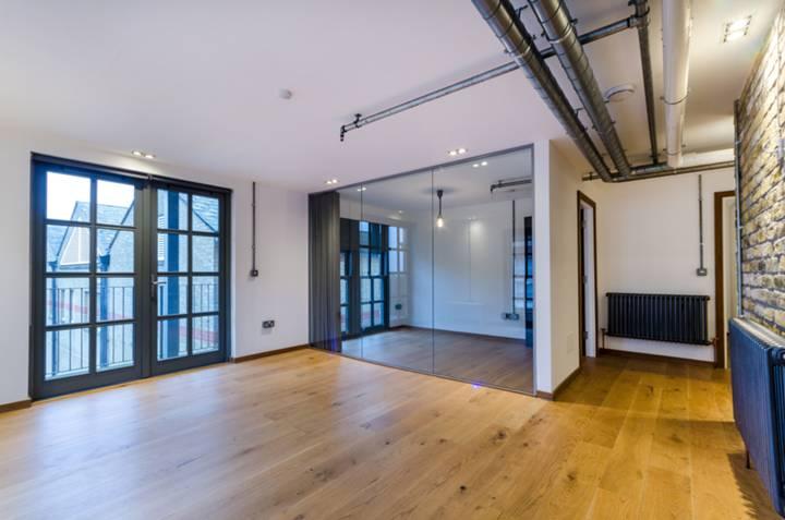 Reception Room in SE19