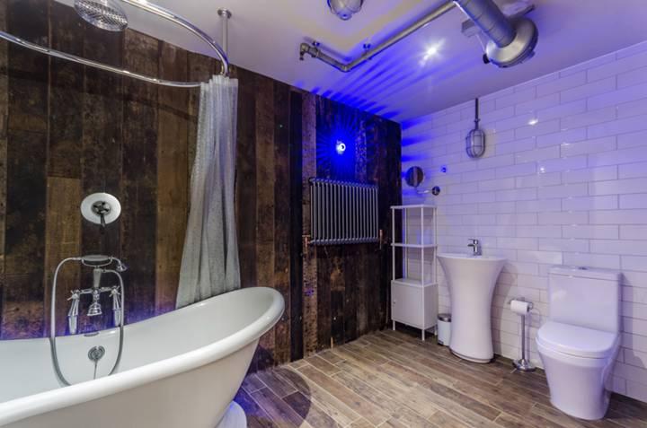 Bathroom in SE19