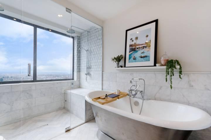 En Suite Shower Room in SE19