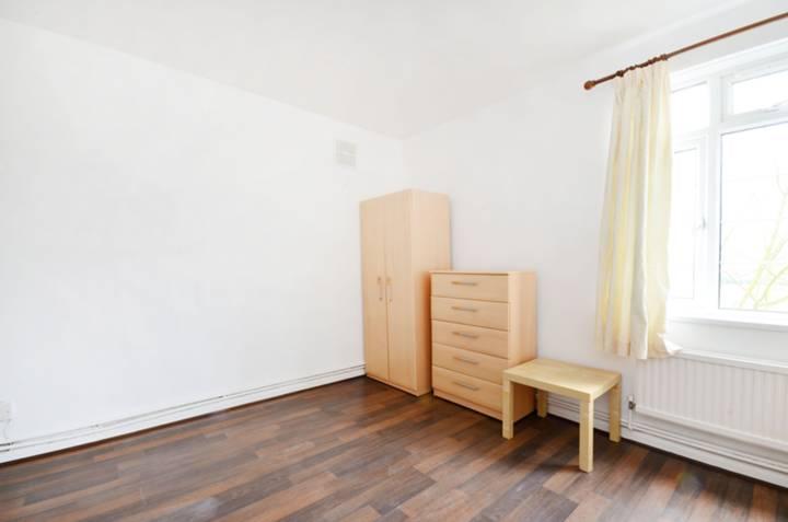 <b>Second Bedroom</b><span class='dims'> 12'3 x 10'3 (3.73 x 3.12m)</span>