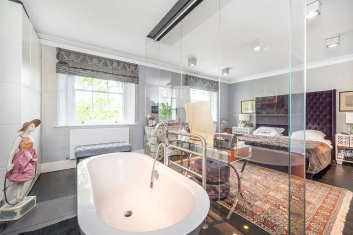 Bedroom in N6