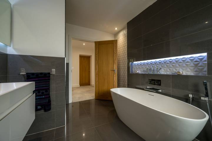 Bathroom in GU3