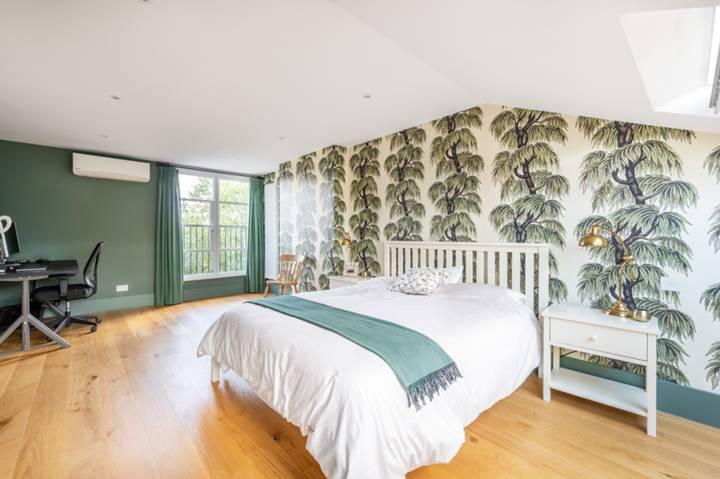 Bedroom in SW12