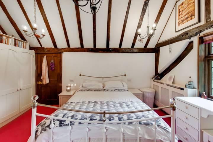 <b>Annex Bedroom</b><span class='dims'></span>